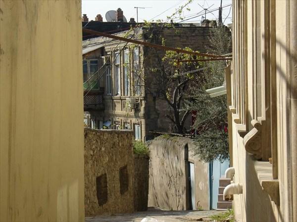 на фото: Старый Баку
