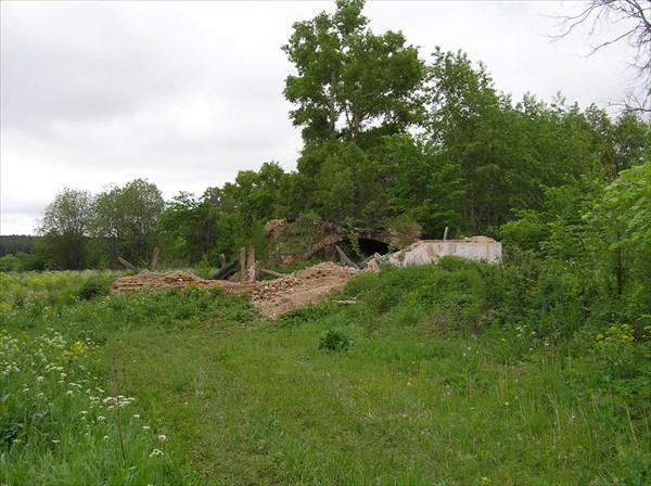 Казанцево. Вид на развалины с запада.
