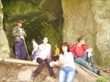 Перекур у входа в пещеру
