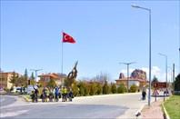 На въезде в Учхисар