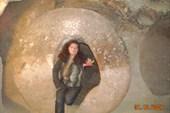 7. Мазы.Такой дверью заваливался вход в подземный город